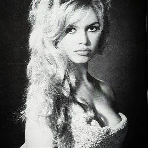 Une vie au service d'une cause. Brigitte Bardot - Biography, Height & Life Story | Super Stars Bio