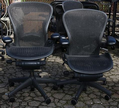 lot of 2 aeron chair by herman miller office chair featuri
