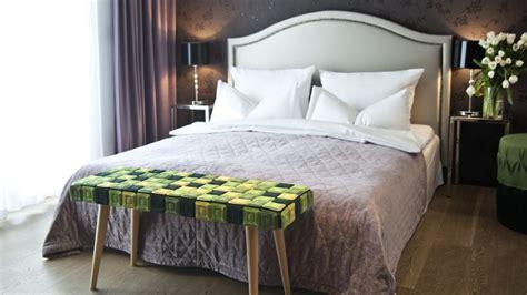 cabeceros romanticos calidez en el dormitorio westwing