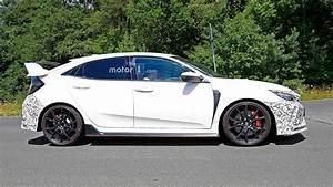 Honda Civic 2019 : honda civic 2019 type r facelift spotted covered in masking tape pakwheels blog ~ Medecine-chirurgie-esthetiques.com Avis de Voitures