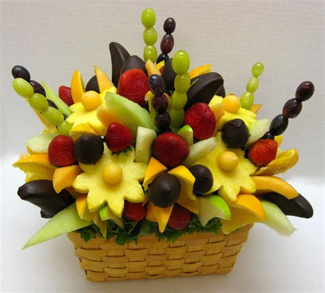 fruit bouqet how to make your own edible fruit arrangement crazeedaisee