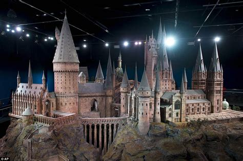 chambre d h e londres incredibly detailed model of hogwarts castle used for