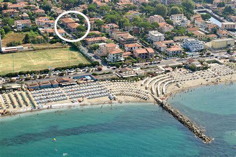 Appartamenti Marina Di Co Sul Mare by Hotel Marina Di Massa Offerte Alberghi Sul Mare Con Piscina