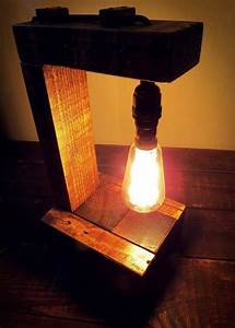 Pallet, Table, Lamp, With, Edison, Bulb
