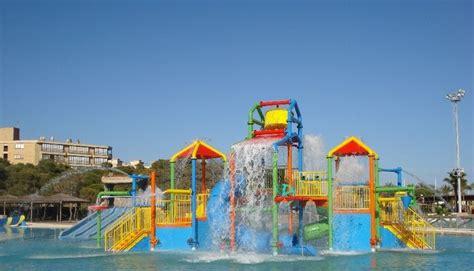 Aquopolis water attractions aquapark