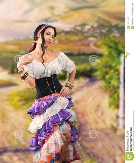 gypsy zigeunermeisje ragazza andalusian zingaresca portrait dancing modern zingaro dello meisje modieuze ventilator schoonheidsmanier andalusisch vrouw ce met zigeuner het