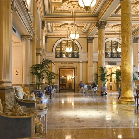 top 10 luxury hotel chains usa today