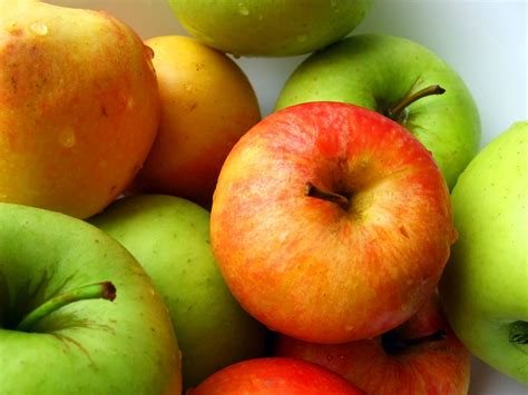 Fresh apples from last summer :) « Blog Archive « Z Photo Blog