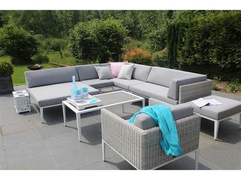 salon canapé d angle salon de jardin en résine tressée avec canapé d 39 angle