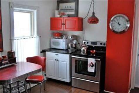 american diner kitchen accessories caf 233 themed kitchen d 233 cor lovetoknow 4037