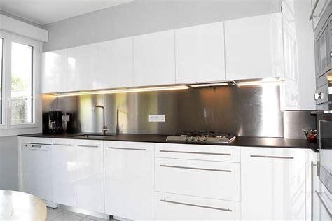 credence cuisine blanche crdence cuisine blanche simple table de cuisine en bois et marbre with crdence cuisine blanche