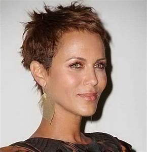 Coupe De Cheveux Femme Courte 2017 : coupe tres courte femme coupe de cheveux tres court femme ~ Melissatoandfro.com Idées de Décoration