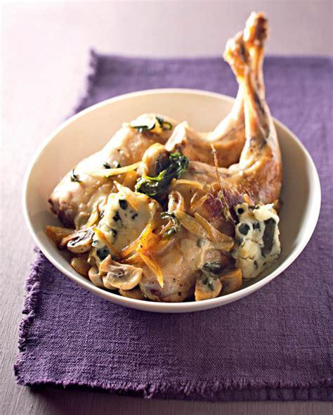 cuisiner cuisse de lapin recette cuisses de lapin sauce roquefort