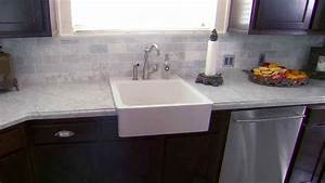 white laminate countertops deductourcom With kitchen cabinets lowes with flip flop wall art