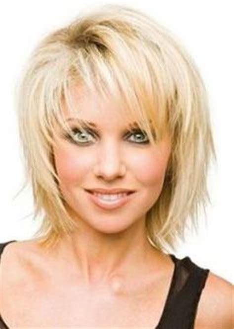 coupe cheveux moderne pour femme 50 ans coupe de cheveux mi pour femme 50 ans photo de coiffure bio