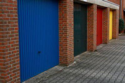 Die Kosten Für Hausbesitzer Beim Bau Einer Garage Berechnen