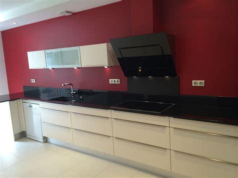 plan de cuisine 3d réalisation d 39 une cuisine avec façade mélaminé brillant et hotte inclinée falmec avec aspezia