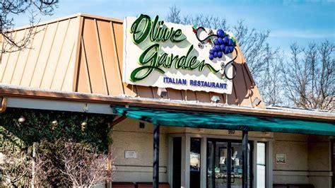 olive garden lees summit olive garden manager recognized flagstaff business