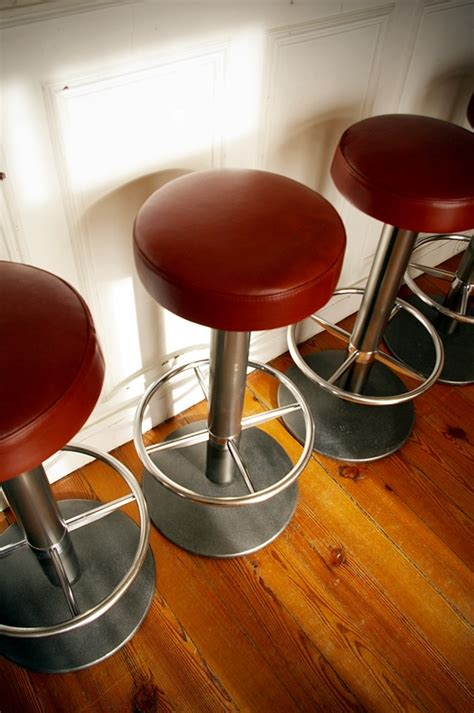tabouret de bar assise cuir jpg chaises tabourets
