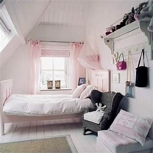 Key interiors by shinay vintage style teen girls bedroom for Girls bedrooms