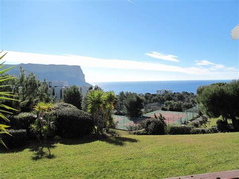 cuisine cassis locations rez de jardin t1 f1 cassis vue mer avec terrasse