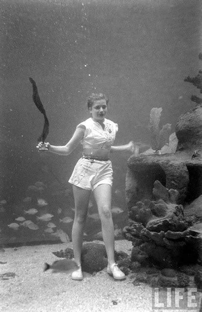 rare    underwater fashion show   place