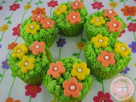 comment faire de l herbe en gla 231 age sur vos cupcakes et les transformer en petits jardins