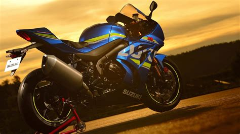 suzuki gsx rr   wallpapers hd wallpapers id