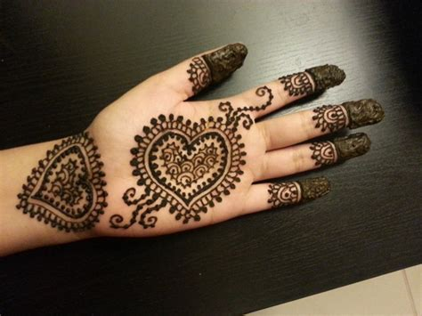 loved heart mehndi designs  girls mehandi designs