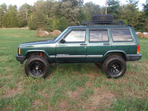 jeep xj lifted lifted xj cherokees the jeep xj cherokee