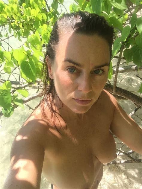 Sandmire nackt Jill  lingerie league