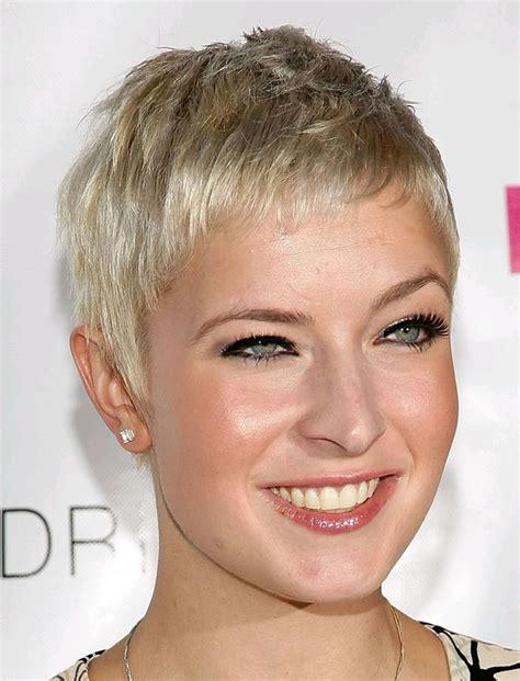 Pixie Hairstyles For 40 by 57 Pixie Hairstyles For Haircuts Stylish Easy To