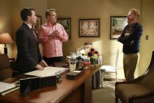 modern family recap 1 8 14 season 5 episode 11 and one to grow on laundry
