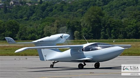 Amphibious Aircraft With Folding Wings About