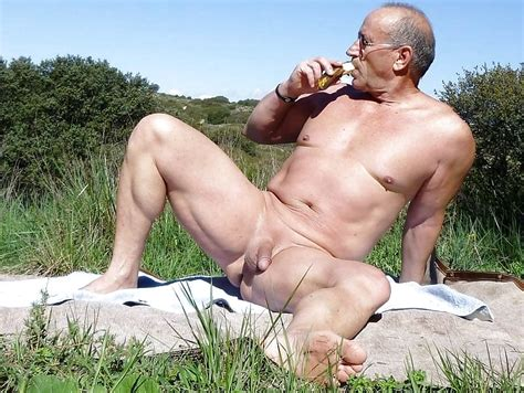 Gay 24 Older Men At The Beach Special 20 Imgs