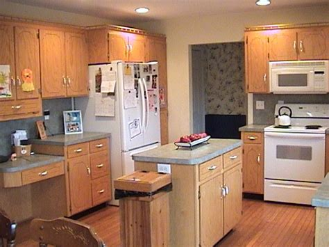 kitchen paint colors with light oak cabinets cabinet pulls kitchen cabinets painting