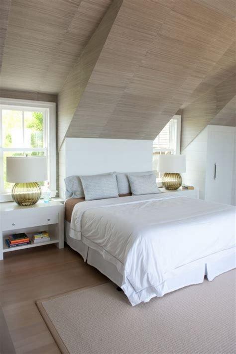 zimmer mit dachschräge farblich gestalten schlafzimmer gestalten dachschr 228 ge