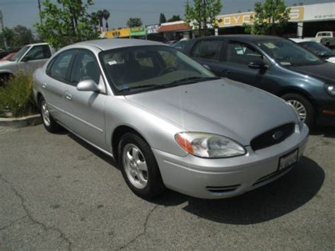 sell   ford taurus se sedan  door