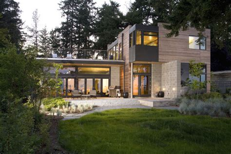 Modern Home In Bainbridge Island With Sustainable Features