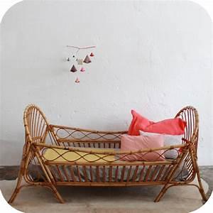 Lit Enfant Rotin : mobilier vintage lit rotin enfant ann es 50 ann es 60 atelier du petit parc ~ Teatrodelosmanantiales.com Idées de Décoration