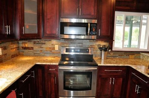 Backsplash Ideas For Cherry Cabinets by Backsplash Ideas For Cherry Cabinets Kitchen