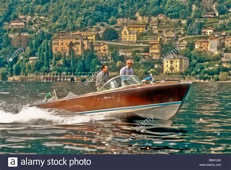 Motorboat En Espanol by Fast Riva Speedboat Motorboat Underway On Lake Como