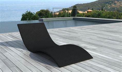 lit de jardin design noir en r 233 sine tress 233 e bain de soleil