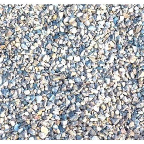 garden rocks lowes shop sakrete 0 33 cubic yard pea gravel at lowes