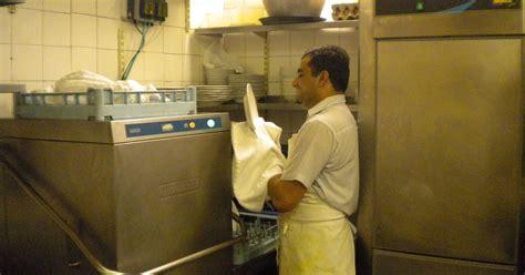 restaurateurs  evolving  dishwasher role