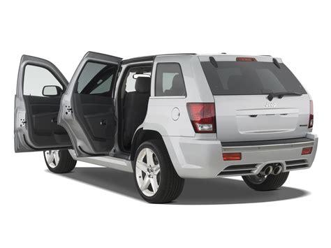 jeep srt 2007 sporty suvs jeep grand cherokee srt8 porsche cayenne