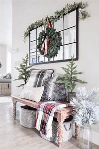 25, Warm, And, Welcoming, Christmas, Decorated, Entryway, Ideas