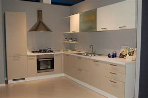 Cucina moderna angolare cucine a prezzi scontati for Cucina angolare moderna