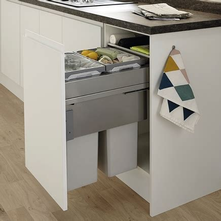 Clerkenwell Super Matt White Kitchen  Howdens Joinery
