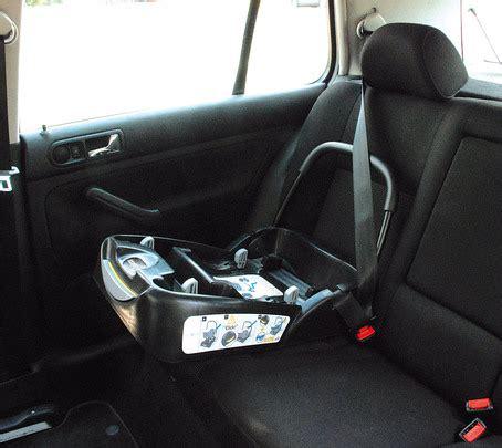 siege auto loola embase streety noir de bébé confort embases de sièges
